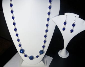 A Beautiful Lapis Lazuli and Shell Beaded Necklace and Earrings. (2017256)