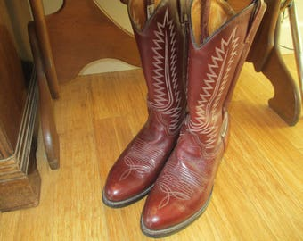 Cowboy Boots - Leather Boots -  Boots - Gently Worn but Broken in - Size 10 - Horse Boots - Dress Boot, Made in Mexico - Excellent Sole!