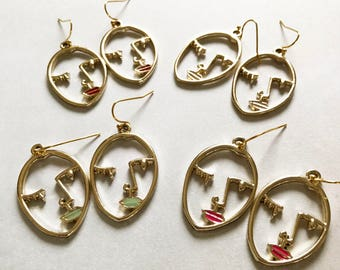Face earrings - goldtone dangling earrings with face charm - 4 colors red, mint, nude and pink - boho, bohemian, ibiza, hippie, trend