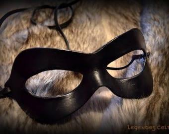 Leather mask molded superhero / Harley Quinn