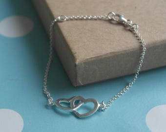 Bridesmaid bracelet - Sterling Silver linked hearts bracelet - Two hearts bracelet - Open heart bracelet - Heart Jewellery - Valentines gift