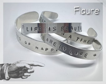 "Bracelet large ""The music of happiness"""