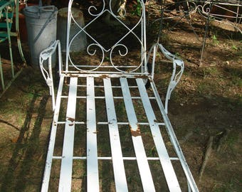 SUMMER CLEARANCE SALE Antique Metal Outdoor Furniture/antique Metal Outdoor  Chaise Lounge / Vintage Metal