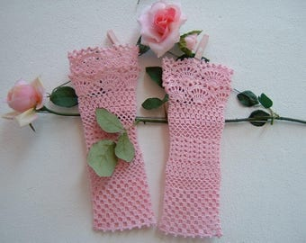 Pink cotton sleeves-crochet lace Cuffs in romantic wedding and bridesmaids gloves-fingerless gloves-wedding Cuffs