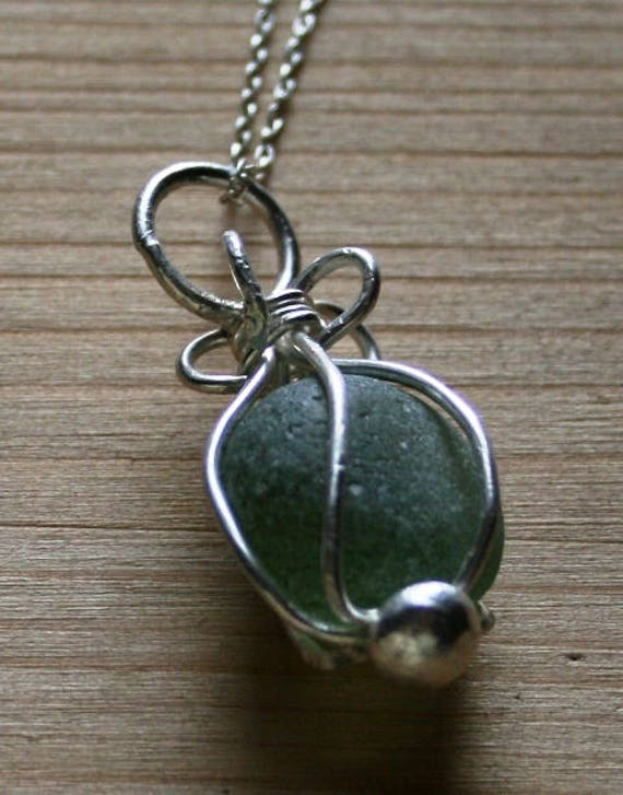 LIGHT GREEN Seaglass PENDANT