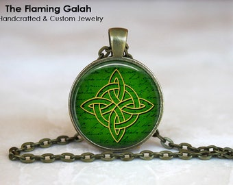 CELTIC KNOT Pendant • Green Celtic Triquetra • Protection Symbol • Talisman • Trinity • Gift Under 20 • Made in Australia (P1352)