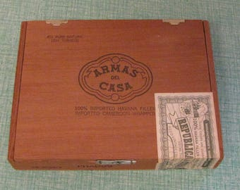 Cuban Cigar Box Armas Del Casa Republica de Cuba 1959 Old Wooden Boxes Wood Tobacciana