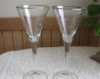 Etched Champagne Glasses Silver Trimmed Set of Two (2) Vintage Barware Etched Bleeding Hearts Pattern