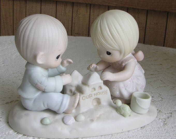 Precious Moments God Bless Our Home Figurine Heart 1996 Symbol Retired