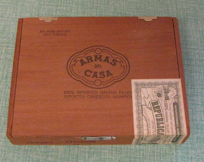 Cuban Cigar Box Armas Del Casa Republica de Cuba 1959 Old Wooden Boxes Wood Tobacciana