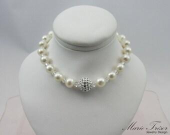 White Freshwater pearls with Swarovski crystals bracelet