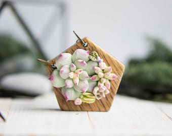 Succulent necklace. Wooden necklace with succulents. Woodland Necklace.  Succulent jewelry. Wooden pendant with succulents.