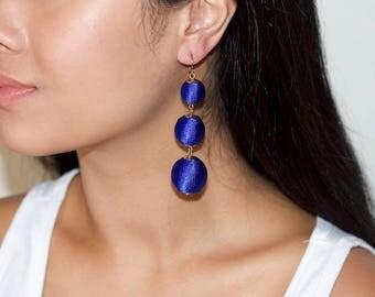 Graduated ball earrings