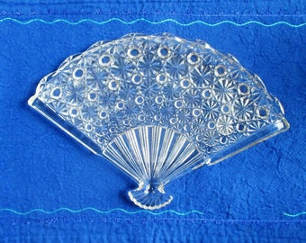 Daisy and Button glass fan tray