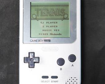 Silver Nintendo Game Boy Pocket Handheld System MGB-001 W/ 16 Games