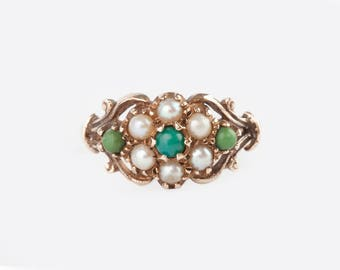 A Turquoise and Cultured Pearl 9k Flowerhead Ring