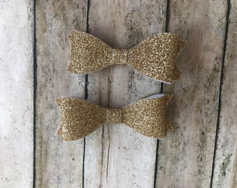 Set of 2 glitter bows, gold glitter bows, pigtail bows, bows on clips