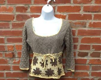 Vintage 90s Gray Cream Crochet Top Shirt Waist Tie Womens