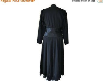 "Summer Sale Black 1930's Crepe Dress // 30's black wool dress // Vintage black dress // Waist 26"""