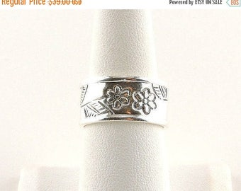 33% Off Christmas in July Size 8 Sterling Silver Wide Band Floral Ring