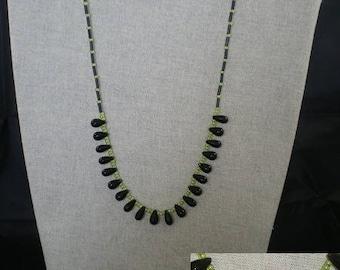 Parure006 - Set green and black beads drops black