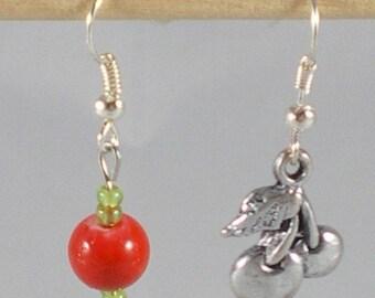 Boucles063 - Asymmetrical earrings cherry