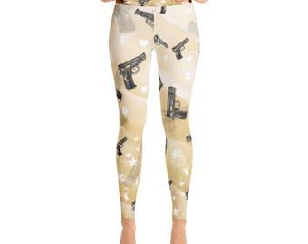 A Trendy Gun Pattern Light Gold Yoga Leggings Capri Yoga Pants, Sport Stretch Leggings, Fitness Workout Yoga Pants Joggers, Yoga Shorts