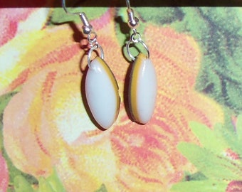 Earrings greedy Calissons white