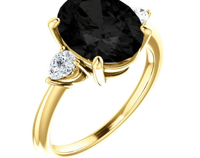 Size 8 14k onyx and Diamond ring. Per the render.