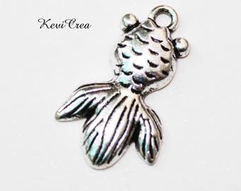 10 x silver plated fish charms
