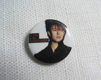Vintage 80s Echo and the Bunnymen - Ian McCulloch Pin / Button / Badge