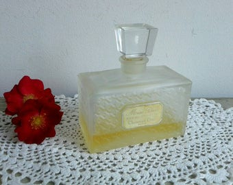 Vintage French Christian Dior, eau de toilette, 100 ml / 3.4 fl oz, Miss Dior, perfume bottle with crystal stopper.