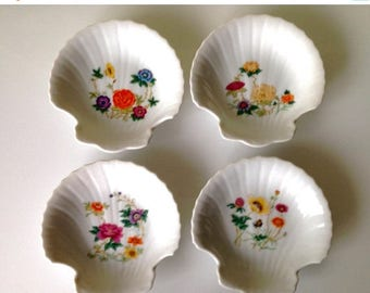 Presidential Savings Four Ceramic Clamshell Nut Dishes with Wildflowers