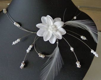 Hypoallergenic available white wire Flower necklace on wedding