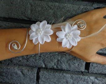 Bracelet white rhinestone flower piece unique wedding