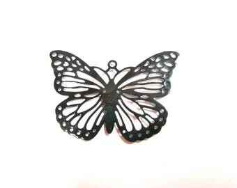 METAL ENGRAVED END COLOR LACQUER 30/40 MM BLACK BUTTERFLY PENDANT