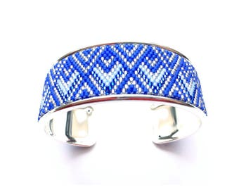 Very pretty blue and silver cuff beadwoven miyuki mounted on rigid support