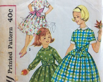 Simplicity 3568 girls dress size 10 vintage 1950's sewing pattern