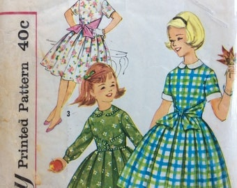 Simplicity 3568 vintage 1950's girls dress sewing pattern size 10