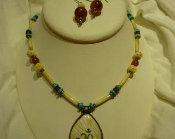 G56 Vintage Glass & Bone Necklace w/Pendant and Matching Earrings.