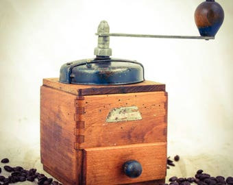 PEUGEOT FRERES Coffee Grinder Mill, French Moulin Molinillo Cafe Kaffeemuehle Koffiemolen Macinacaffe