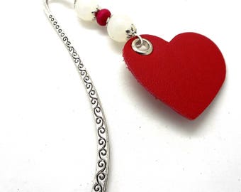 Bookmark silver jewelry, white pearls, heart leather charms and co.