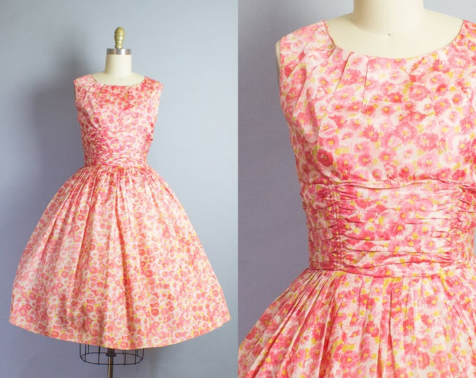 1950s Floral Shelf Bust Party Dress/ Small (35B/26W)