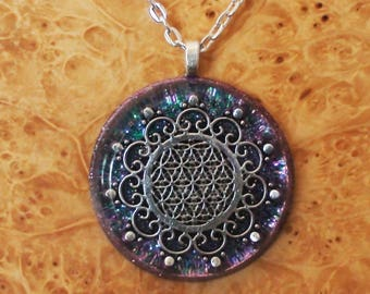 Orgone Energy Flower of Life Meditation Unisex Necklace Lavender/Blue Chakra Energy-harmonizing crystals Sacred Geometry 30mm Pendant Quartz
