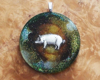 Forest Boar/Pig Charm Bacrie Celtic War Totem Wisdom Strength Crystal-Antenna Ormus Orgone Energy Pendant Necklace 40mm Red/Silver/Green