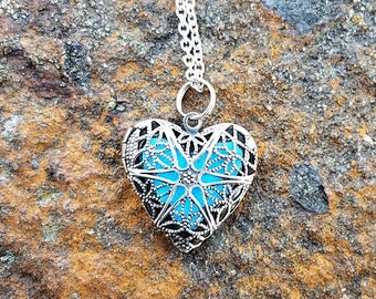Diffuser Necklace Heart Essential Oil Diffuser Necklace Aromatherapy Locket with Chain Heart Locket