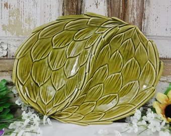 Divided Serving Dish/Divided Dish/Plate/Platter/Ceramic/Artichoke/Green/Decorative/Housewarming Gift/Belmar of California USA/Oval/Vintage