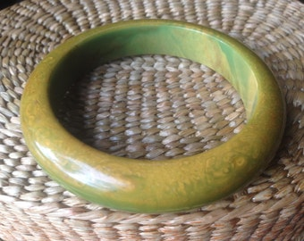 Bakelite Bangle, Fabulous End of Day Bracelet Perfect for Summer Circa 1920's, 1930's Simichrome Tested