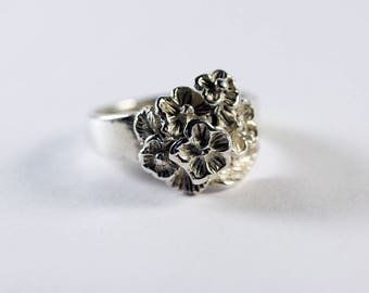 Vintage Sterling Silver Floral Ring with Carved Detailing