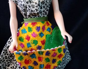 Vintage Style Apron and Mit for Vintage Barbie and Friends